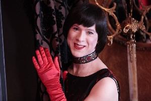 Helga Handfull – Cabaret Singer